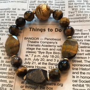 Jewelry - Golden Tiger's Eye Bracelet w/Chinese Carving